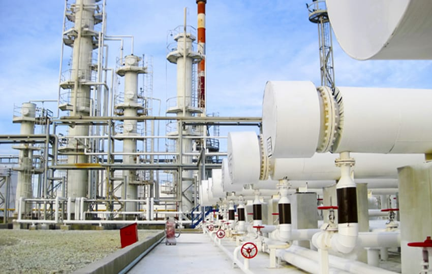 painting oil refineries