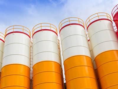 painting silos